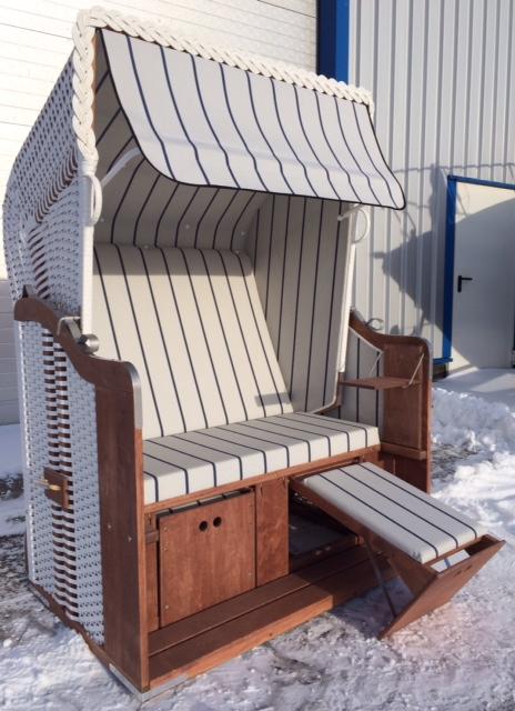 markise rot und regenschutz fr terrassen sonnensegel. Black Bedroom Furniture Sets. Home Design Ideas